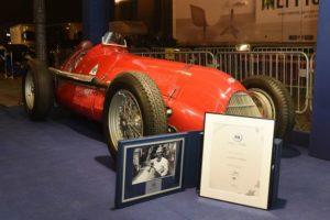 Alfa Romeo Weltmeisterauto von 1950 in Ehrenhalle der Formel 1 aufgenommen