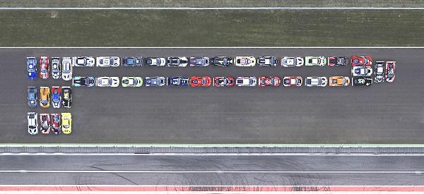 40 Jahre später kamen dafür auf der Rennstrecke in Monza 41 GT3-Rennfahrzeuge der Blancpain GT-Serie zusammen