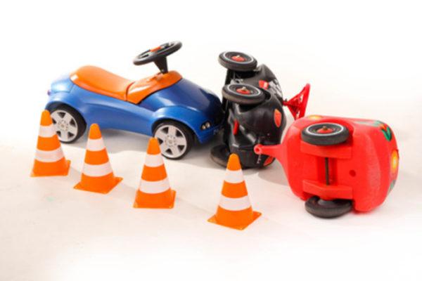 Haben Sie Fragen zum Thema Fahrerflucht? Schreiben Sie uns eine E-Mail an erven@kanzlei-erven.de. (Bildquelle: @ shootingankauf – fotolia.com)