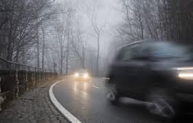 Sicher mit dem Auto durch den Nebel