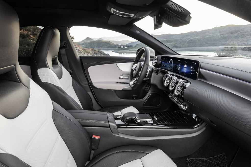 Mercedes-Benz CLA Shooting Brake, X118, 2019, AMG-Line, Interieur, digitalweiß